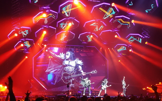 KISS Glendale Stage 04